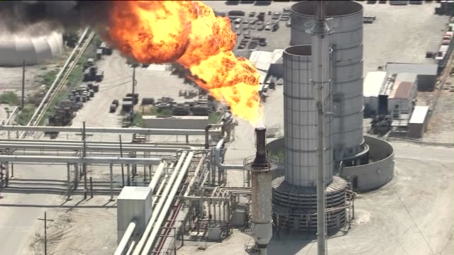 exxon mobil refinery power failure aerials on may 30 2013 in torrance california - exxon stock videos & royalty-free footage