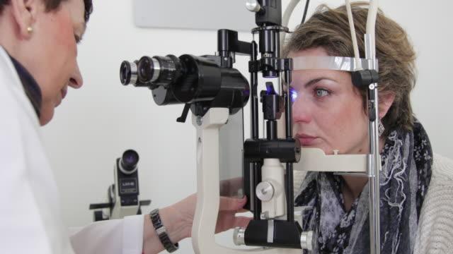 Eye exam with slit lamp