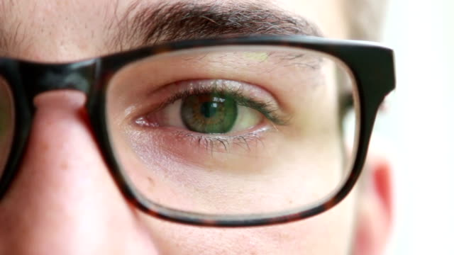 vídeos de stock e filmes b-roll de óculos olho. - óculos