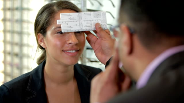 Eye measuring for spectacles