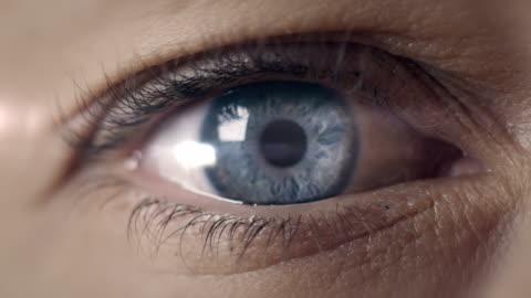 eye transforming into earth - planering bildbanksvideor och videomaterial från bakom kulisserna