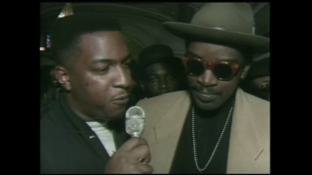 fab 5 freddy mtv host interview from 1988 in new york city - mtv点の映像素材/bロール