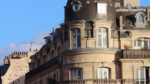 facade and roof of building in paris - fensterfront stock-videos und b-roll-filmmaterial