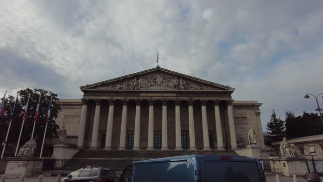 facade of the french national assembly - ペディメント点の映像素材/bロール