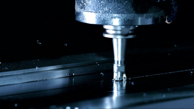 stockvideo's en b-roll-footage met face milling process (super slow motion) - produceren