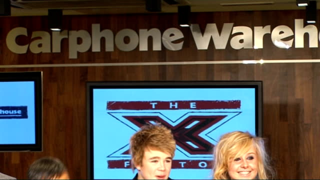 vidéos et rushes de factor finalists perform at impromptu gig; x factor finalists press conference sot - eoghen on not knowing who kate moss was - jls on britney - they... - concurrent