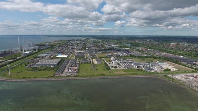 vídeos de stock e filmes b-roll de fábrica vista aérea - região de oresund