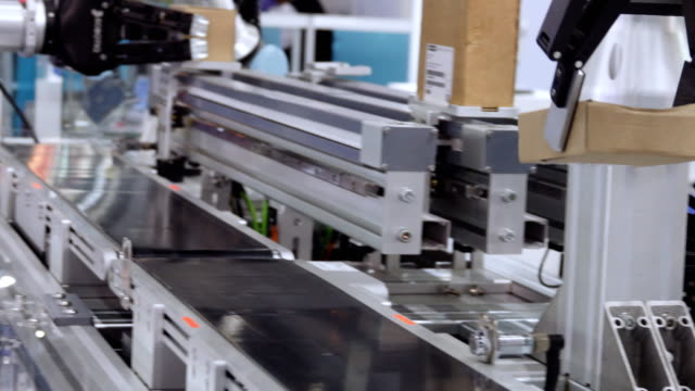 factory automated machinery - manufacturing machinery stock videos & royalty-free footage