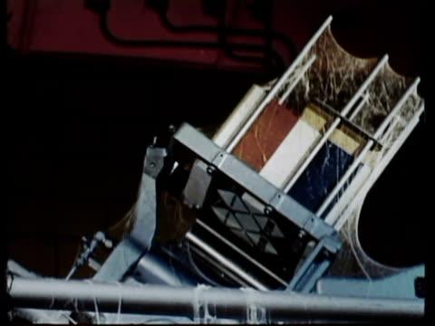 vídeos y material grabado en eventos de stock de 1965 cu la zo ms factory employee napping, leaning against idle machine, covered in cobwebs / oxnard, california, usa / audio - accesorio de cabeza