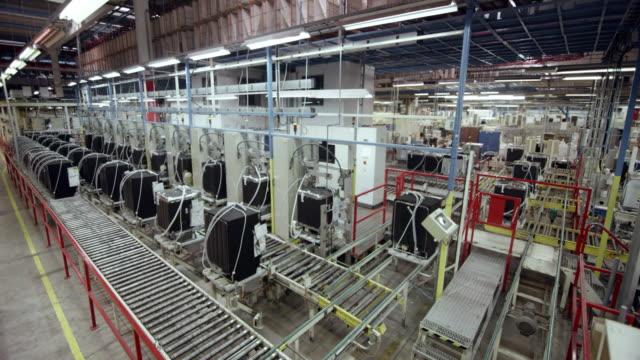 vidéos et rushes de cs usine fabrication d'appareils ménagers - slovénie