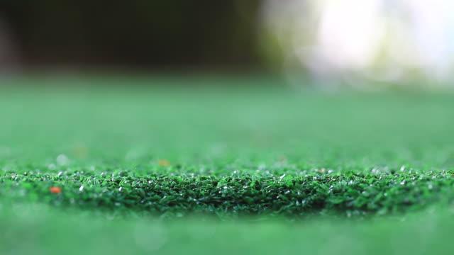 fail golf putting - humphrey bogart stock videos & royalty-free footage