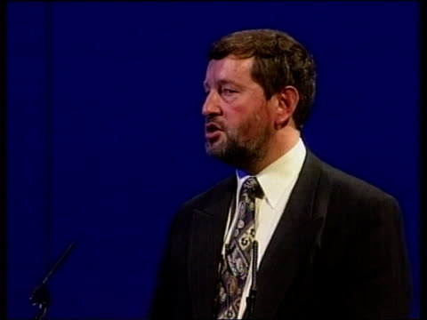 stockvideo's en b-roll-footage met failing authorities warning itn sunderland int david blunkett mp along on arrival at north of england education conference blunkett and guide dog... - street name sign