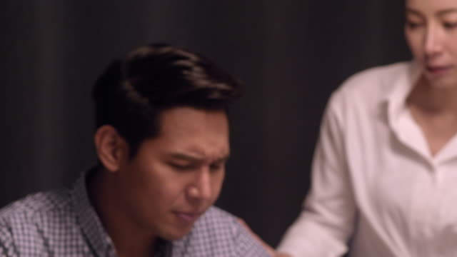 misslyckande pappa - konflikt bildbanksvideor och videomaterial från bakom kulisserna