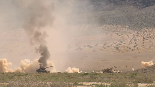 stockvideo's en b-roll-footage met fairchild republic a10 thunderbolt ii from the 422 tes firing guns and rockets on the nevada test and training range - raket wapen