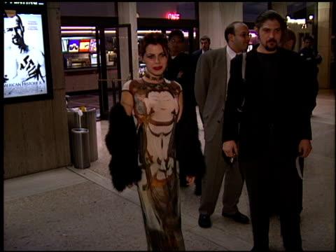 vidéos et rushes de fairuza balk at the 'american history x' premiere at century plaza in century city, california on october 26, 1998. - century plaza