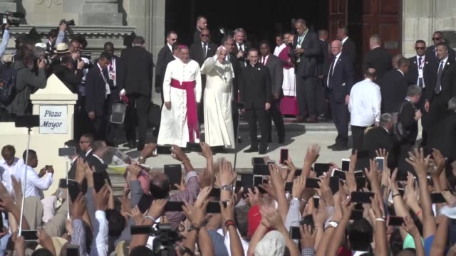 vídeos de stock e filmes b-roll de faithful react to pope francis acknowledging that the catholic church was wounded by sin in a message addressed to priests and seminarians reeling... - clero