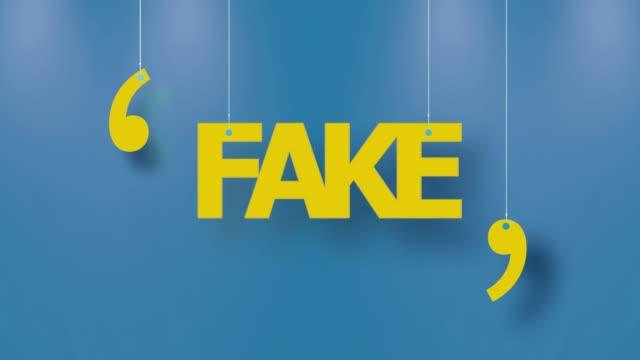 vídeos y material grabado en eventos de stock de texto falso en amarillo colgado con cuerdas en fondo azul en resolución 4k - señal mensaje