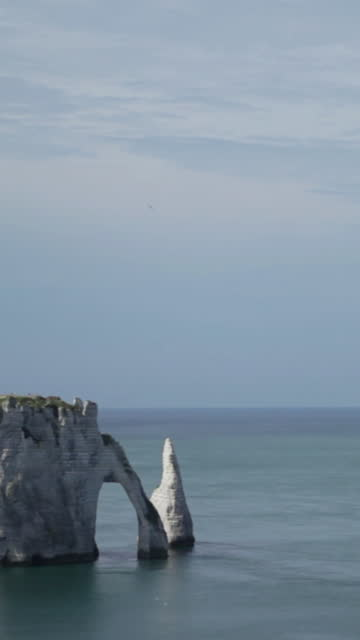 falaise d'etretat in normandy - france - allied forces stock videos & royalty-free footage