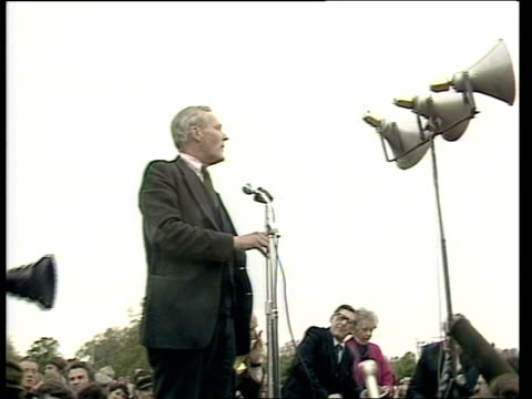 tony benn attends peace rally england london hyde park ext rally in hyde park tony benn mp addressing rally sot none at all / the bbc news and itn... - atlantic islands stock videos & royalty-free footage