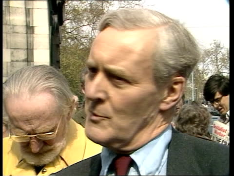 vídeos de stock, filmes e b-roll de tony benn interview england london ext tony benn mp interview sot opinion is shifting and i tell you when those bodies are brought back and that's... - tony benn