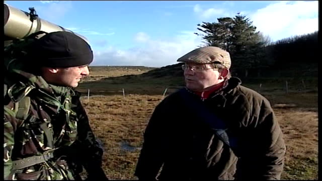 25th anniversary the Yomp day 3 FALKLAND Reporter to camera following final advance of British troops in Falklands War called 'the Yomp' in 1982 as...