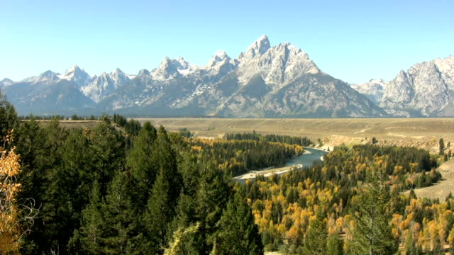 fall colors over the snake river valley - grand teton bildbanksvideor och videomaterial från bakom kulisserna
