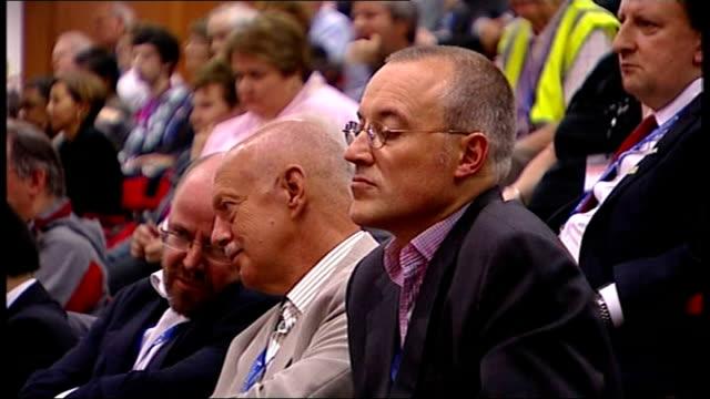 fall in oil prices / alistair darling addresses tuc in brighton; men in audience - 労働組合会議点の映像素材/bロール