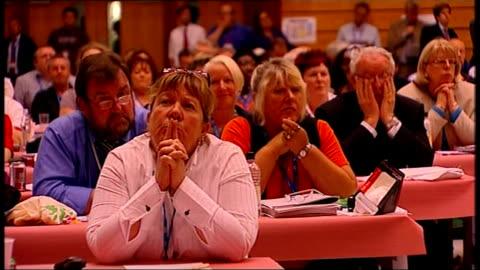 fall in oil prices / alistair darling addresses tuc in brighton; delegates listening - 労働組合会議点の映像素材/bロール