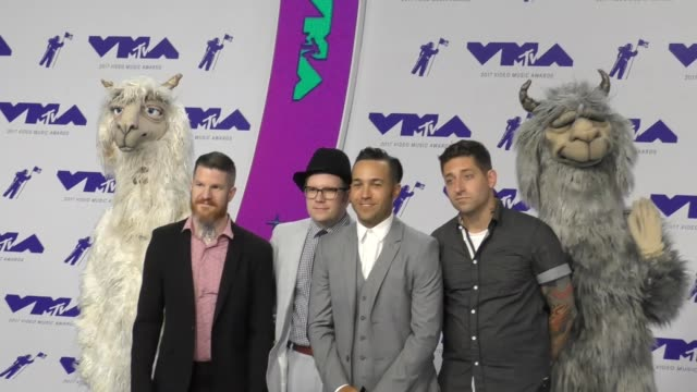 fall out boy at the 2017 mtv video music awards at the forum on august 27 2017 in inglewood california - inglewood video stock e b–roll