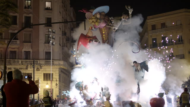 falla quemándose - gala stock videos and b-roll footage