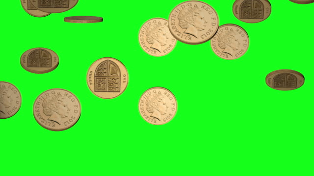 vídeos de stock e filmes b-roll de falling british pound coins on chroma green bg - dourado cores