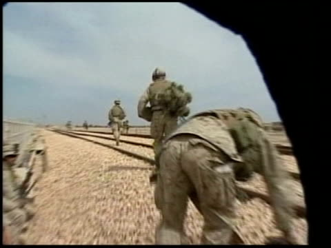 fallujah: ext us soldiers taking part in offensive operations around falluja - al fallujah stock videos & royalty-free footage