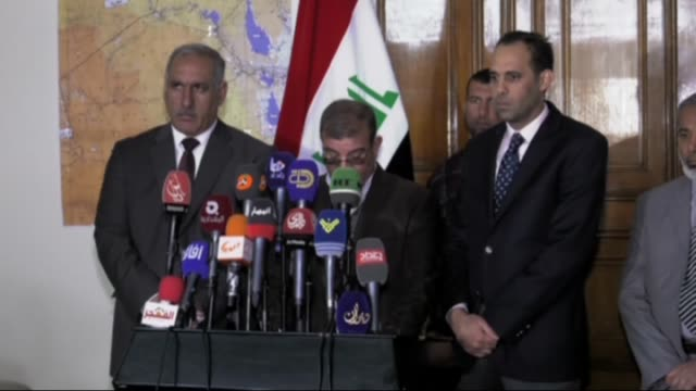 fallujah governor saadoun alshaalan speaks to the journalists on january 27 2016 in baghdad iraq saadoun alshaalan called for the rescue of five... - al fallujah stock videos and b-roll footage
