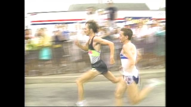 Falmouth Road Race Salvatore Bettiol of Italy outkicks Ed Eyestone of the US a classic finish