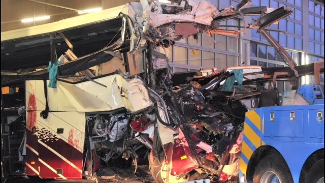 familiares de las victimas de la tragedia del autobus en suiza intentaban identificar este jueves los cuerpos de los fallecidos lommel belgium - luto stock videos and b-roll footage