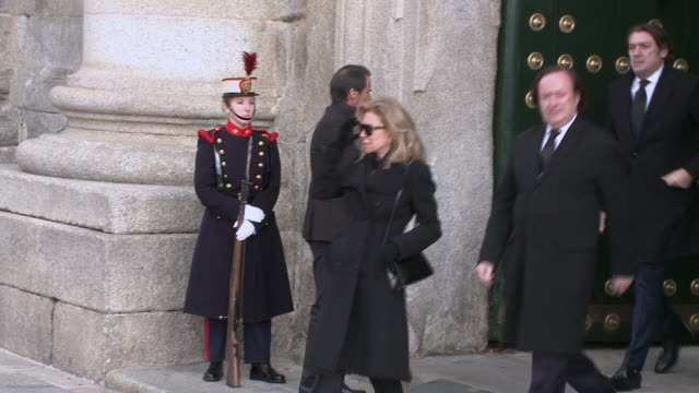 family and friends arrive to attend the funeral for infanta pilar of spain, duchess of badajoz and viscountess of la torre, commonly known as pilar... - 正装安置点の映像素材/bロール