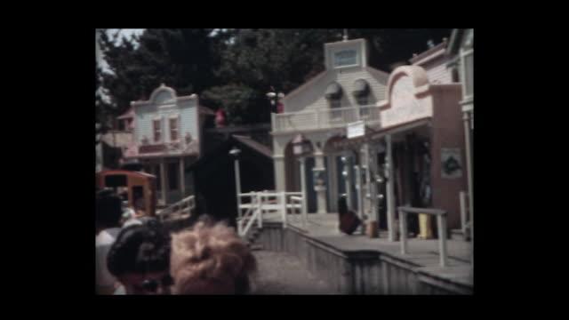 vídeos y material grabado en eventos de stock de 1966 family at disneyland 3 - disneyland california