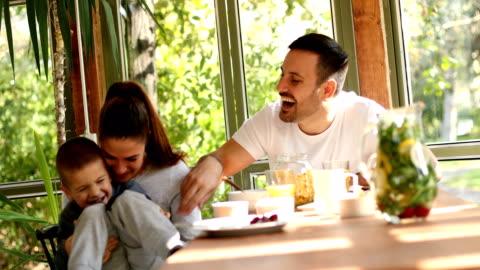 family breakfast - breakfast stock videos & royalty-free footage