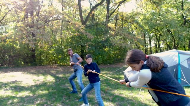 familien-campingplatz - war stock-videos und b-roll-filmmaterial