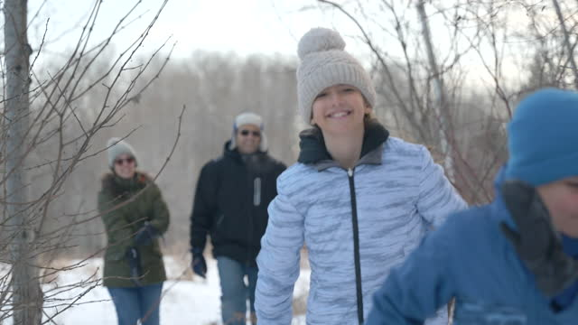 family enjoying quality time during winter - cold temperature stock videos & royalty-free footage