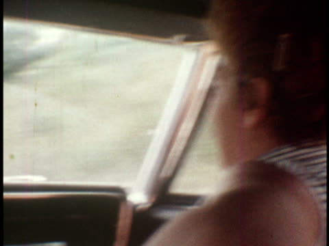 vidéos et rushes de 1972 ms family in car driving on country road / lancaster, pennsylvania  - lancaster pennsylvanie