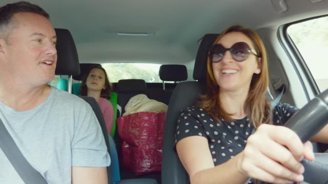 family in car - 10 11 år bildbanksvideor och videomaterial från bakom kulisserna