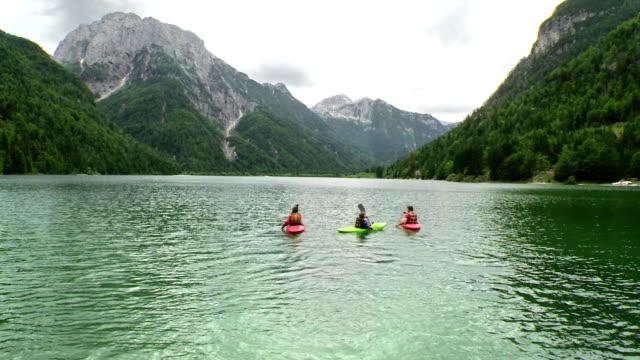 HD: Family Kayaking On The Lake