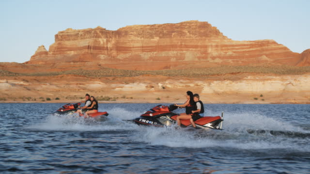 family on wave runners - acquascooter video stock e b–roll
