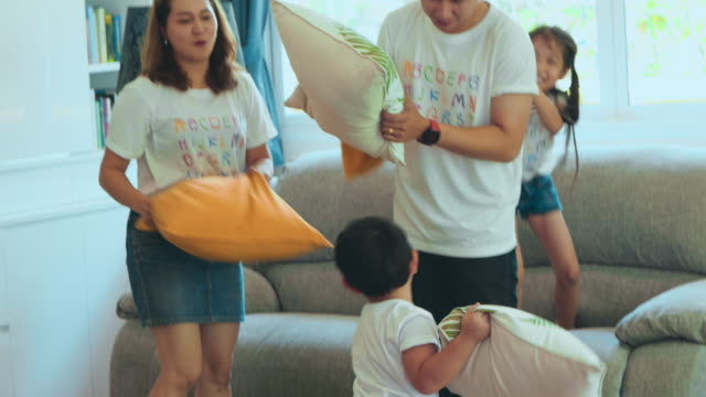 family pillow fight - pillow fight stock videos & royalty-free footage