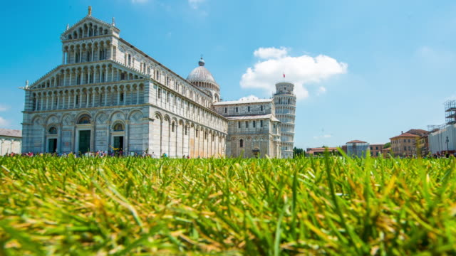 T/L 8K Famous architectural attraction Pisa in Italy