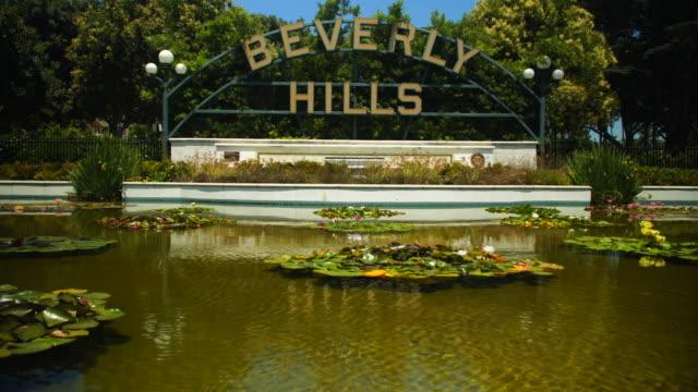 vidéos et rushes de signe célèbre de beverly hills - beverly hills
