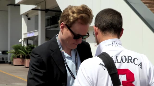 famous tonight show tv host conan o'brien very nice answering questions to us about being in cannes and midnight express movie director alan parker... - conan o'brien stock videos and b-roll footage