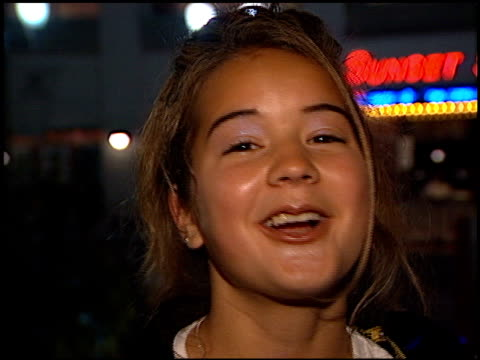 fan at the ricky martin virgin cd party at virgin records in west hollywood, california on may 10, 1999. - ヴァージンレコード点の映像素材/bロール