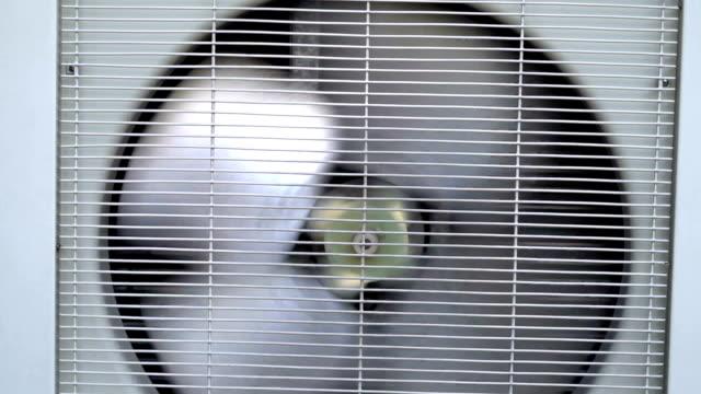 fan-fabrik - halle gebäude stock-videos und b-roll-filmmaterial